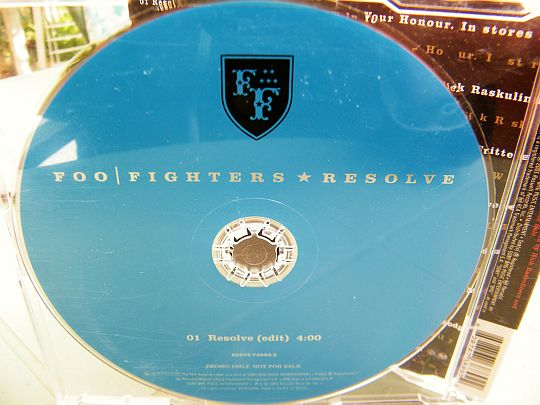 CD monotitre promotionnel Resolve (version edit) par les Foo Fighters