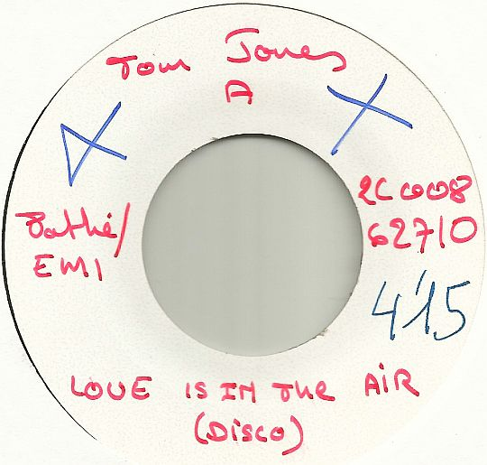 45t White Label face A de Tom Jones - Love is in the air Collector